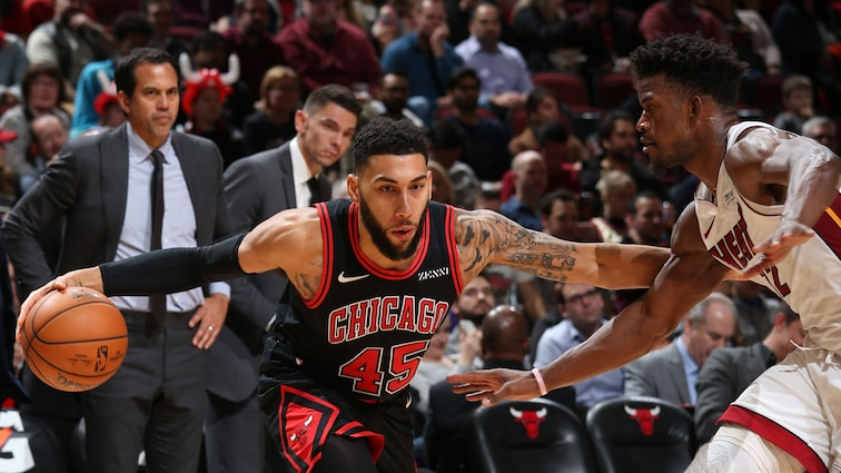 Denzel Valentine drives against the Heat