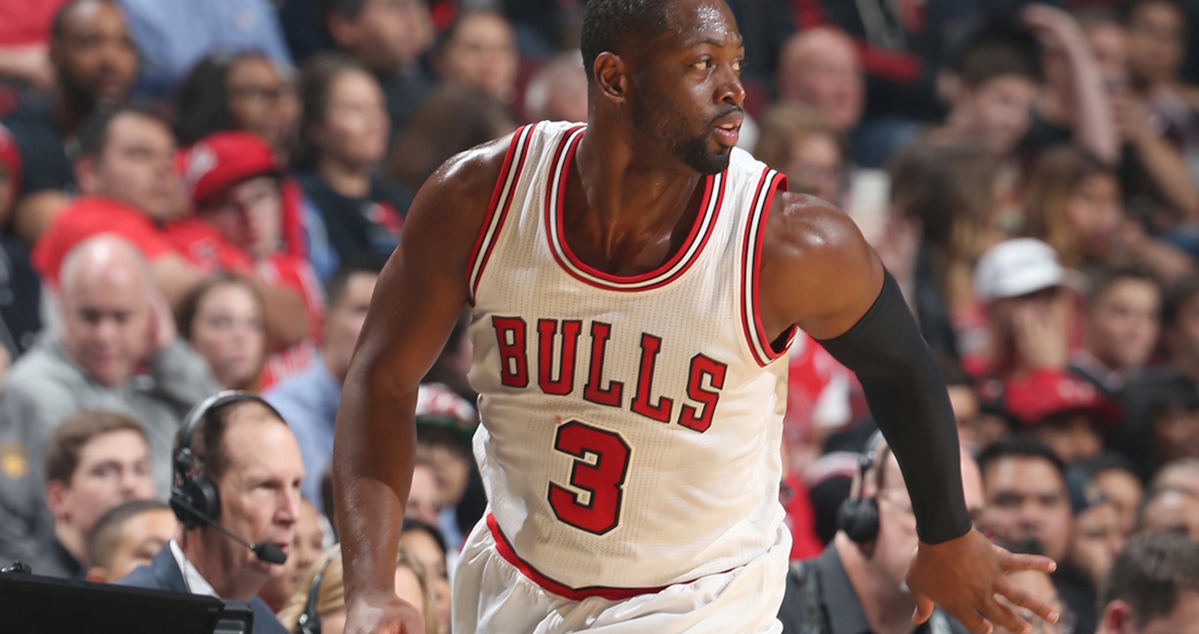 designer fashion 48a54 e23ea Dwyane Wade on LeBron, MJ | Chicago Bulls