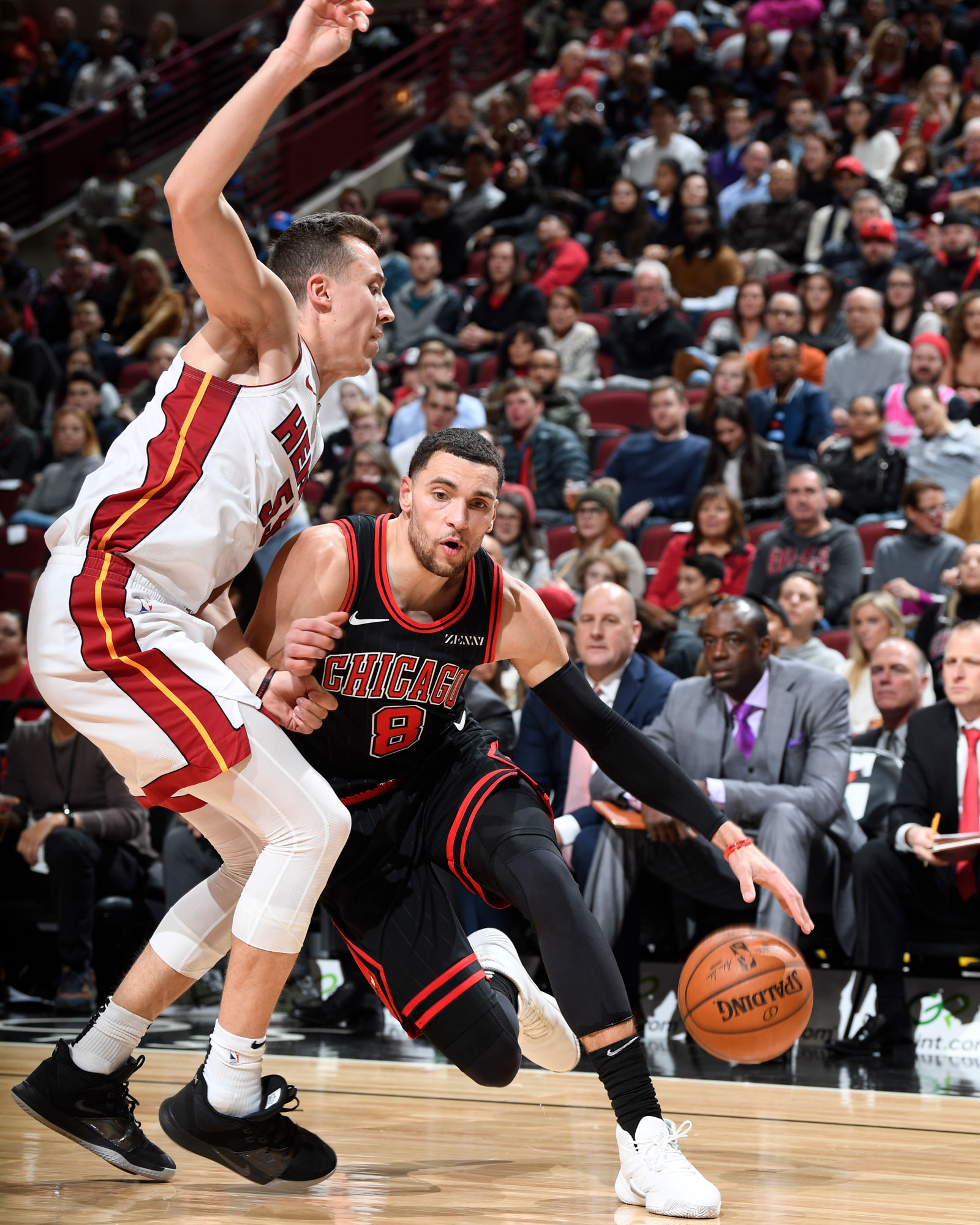 Zach LaVine drives to the basket against the Miami Heat
