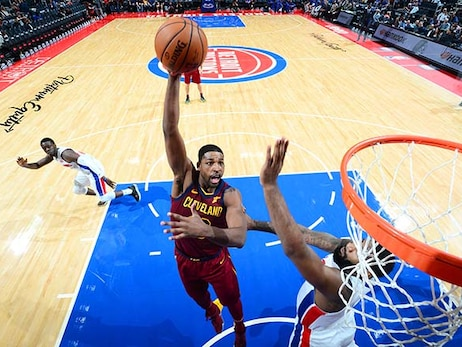 Pistons Late Rally Sinks Cavs
