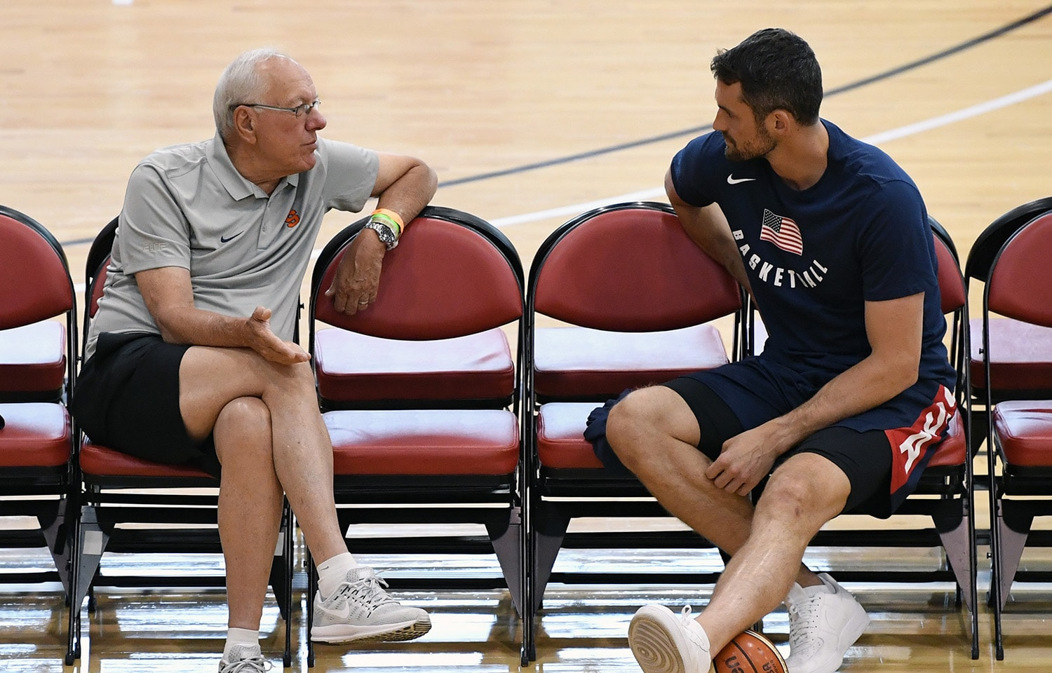 LAS VEGAS, NV - JULY 26: Head coach Jim Boeheim (L) of the Syracuse Orange, a former assistant coach for the United States, talks with Kevin Love #58 of the United States during a practice session at the 2018 USA Basketball Men's National Team minicamp at the Mendenhall Center at UNLV on July 26, 2018 in Las Vegas, Nevada.(Ethan Miller/NBAE via Getty Images)