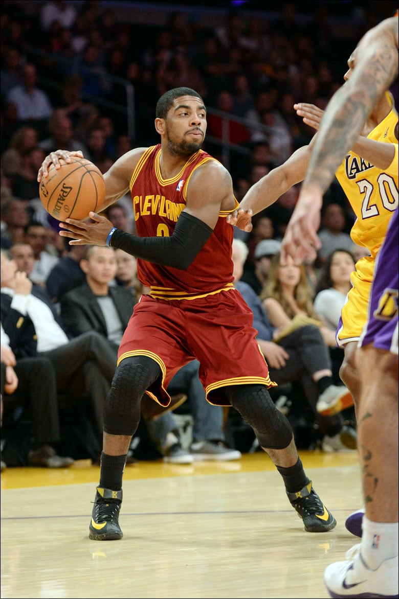 brand new 2ad69 56413 kyrie irving nike knee pads