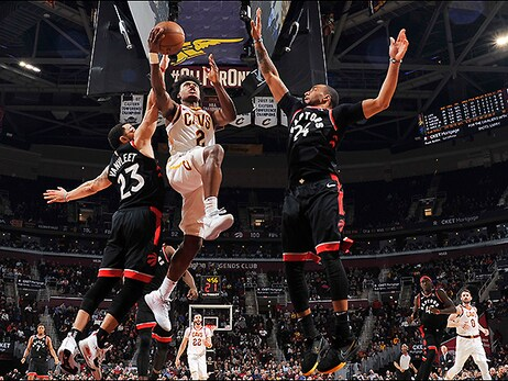 Cavs Can't Rally Past Raptors