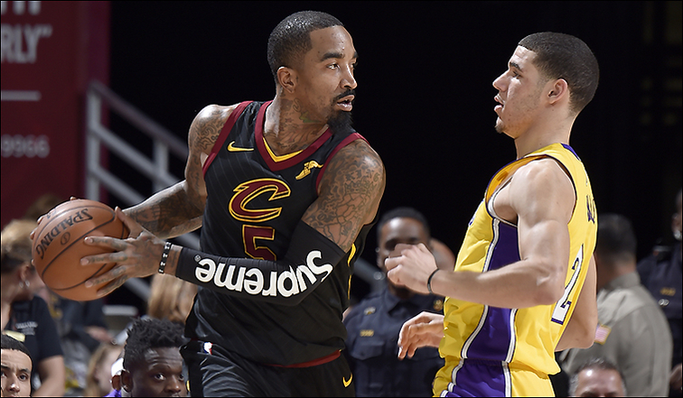 Cavs Stay Hot At Home Hold Off Lakers