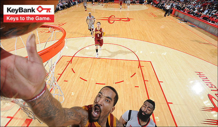 Harden on fire as Rockets down Cavaliers