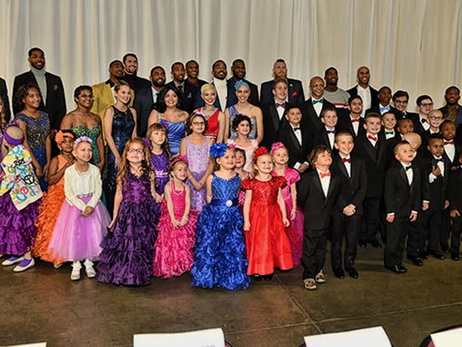 Cavaliers Hit the Runway with Their Little Stars