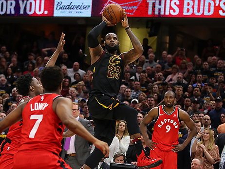 LeBron's Buzzer-Beater Puts Raptors on the Brink