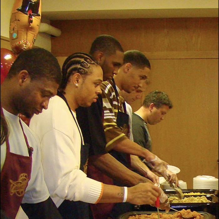 """Cavaliers: Cavaliers Players Tip Off """"Season of Giving"""""""