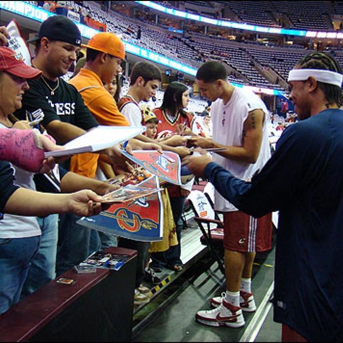 Cavaliers: Cavaliers vs Mavericks Fan Photos - Oct 31st, 2007