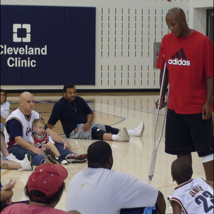 Cavaliers: Eric Snow Hosts 4th Fatherhood Basketball Clinic