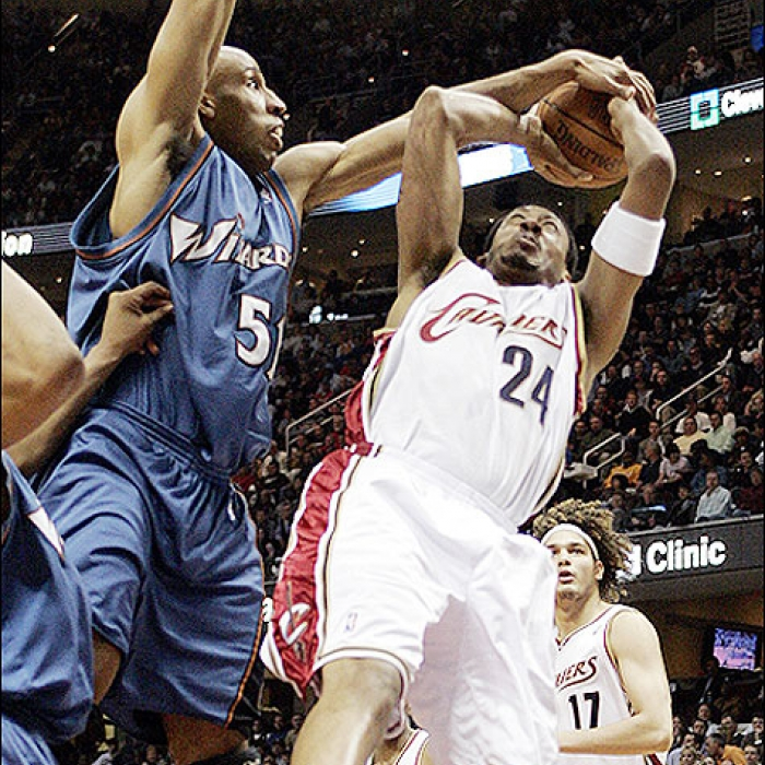 Cavaliers: Cavaliers vs. Wizards Game Photos - April 25, 2006