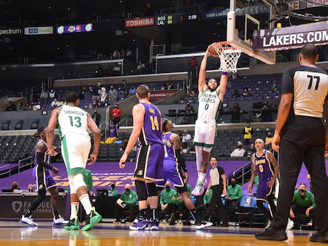 Photos: Celtics vs. Lakers - Apr. 15, 2021