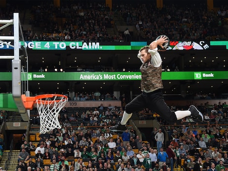 15-16 Celtics Dunk Team