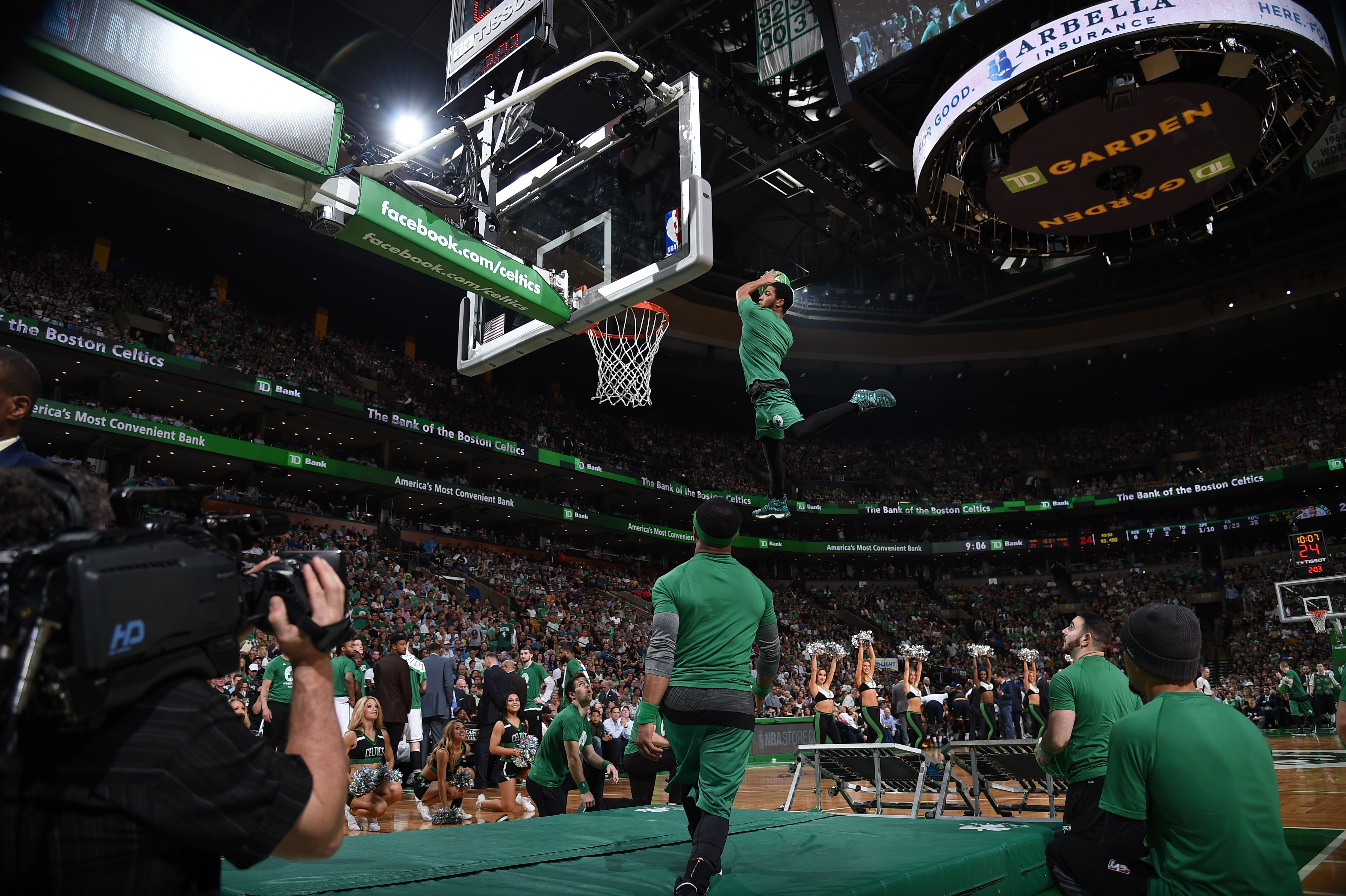 2016 17 celtics dunk team boston celtics