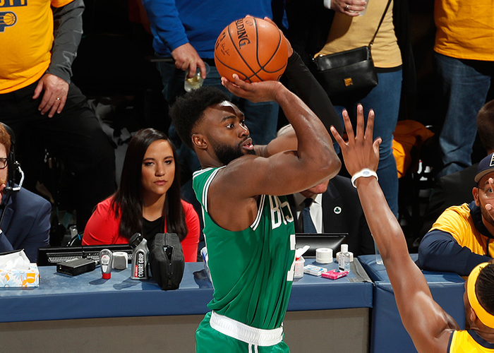 Brown's Near-Perfect Shooting Night Puts C's on Verge of 1st-Round Perfection