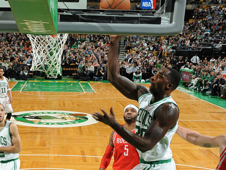 Brandon Bass layup against Houston