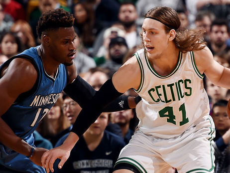Kelly Olynyk posts up against Minnesota