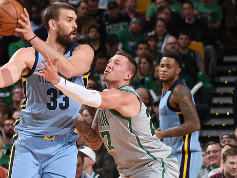 C's Defense Continues Resurgence in Win Over Memphis