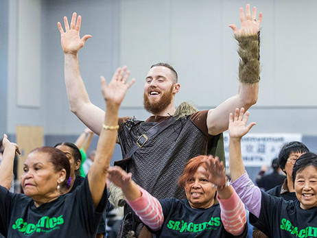 Aron Baynes Leads Sr. Celtics Through Halloween-Themed Workout