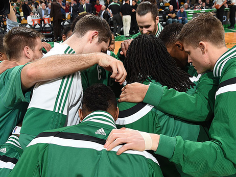 Celtics huddle on Feb. 27