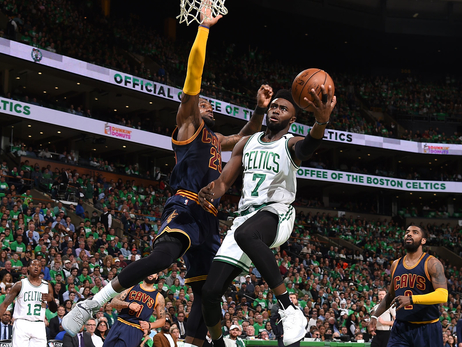 Jaylen Brown going for a layup
