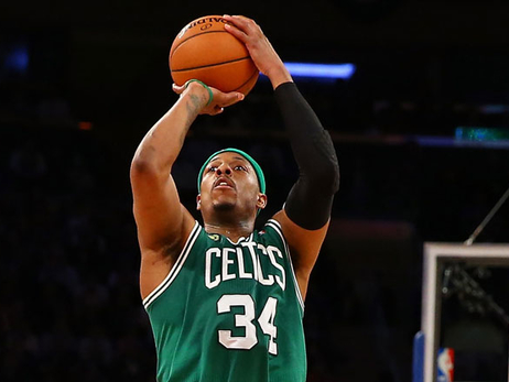 Paul Pierce takes a jump shot