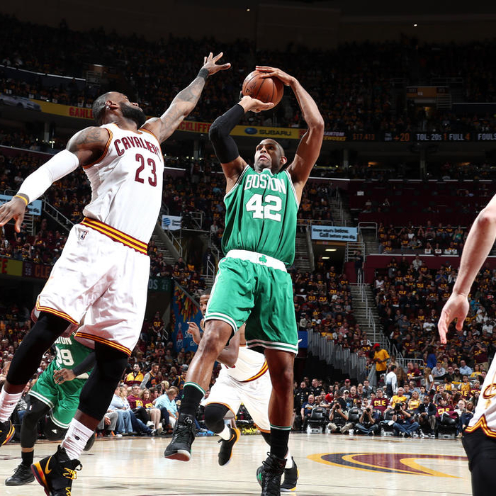 Celtics miss an opportunity in first half with LeBron in foul trouble