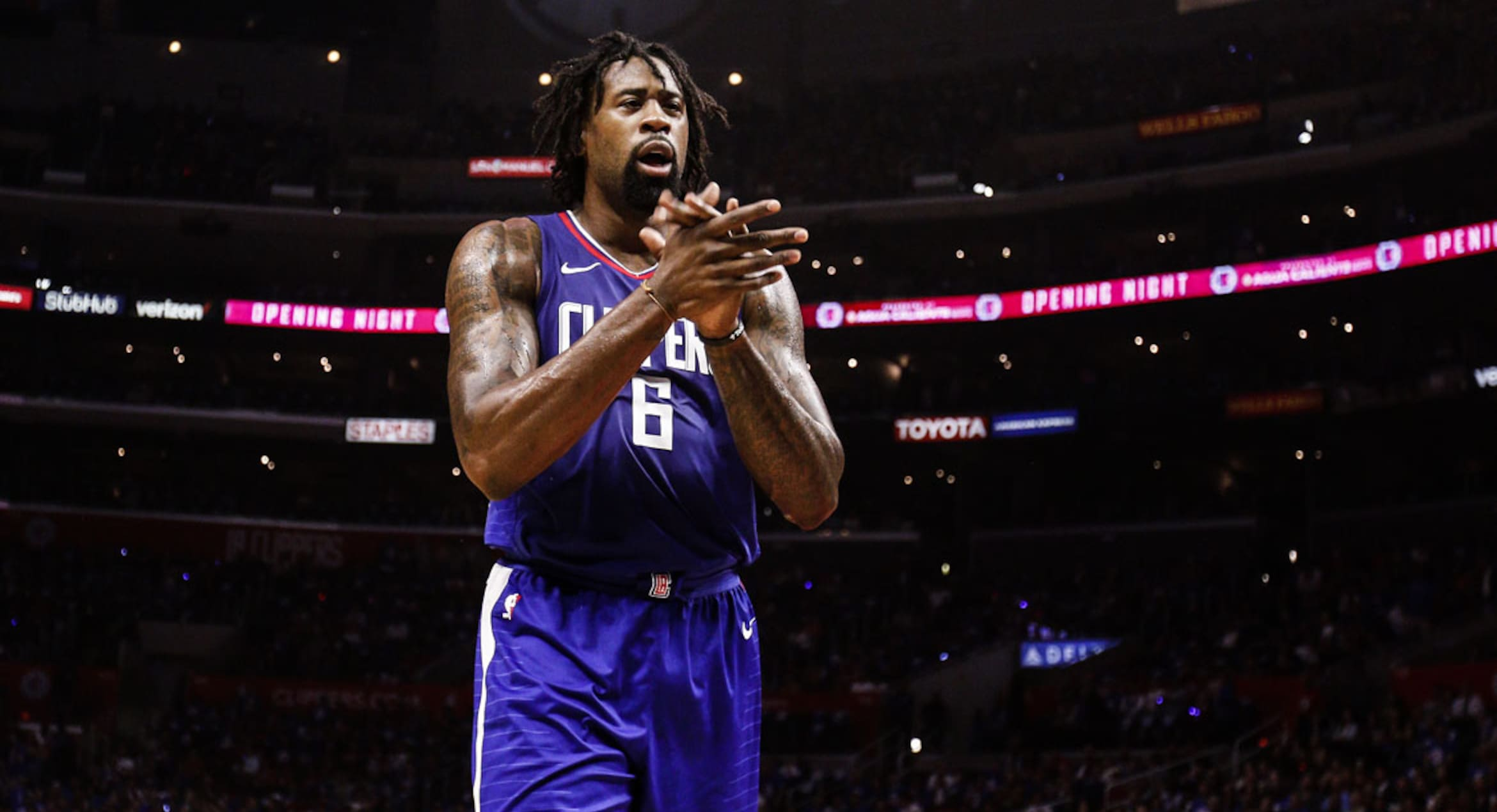 Clippers, Paul-less Rockets face off in Houston