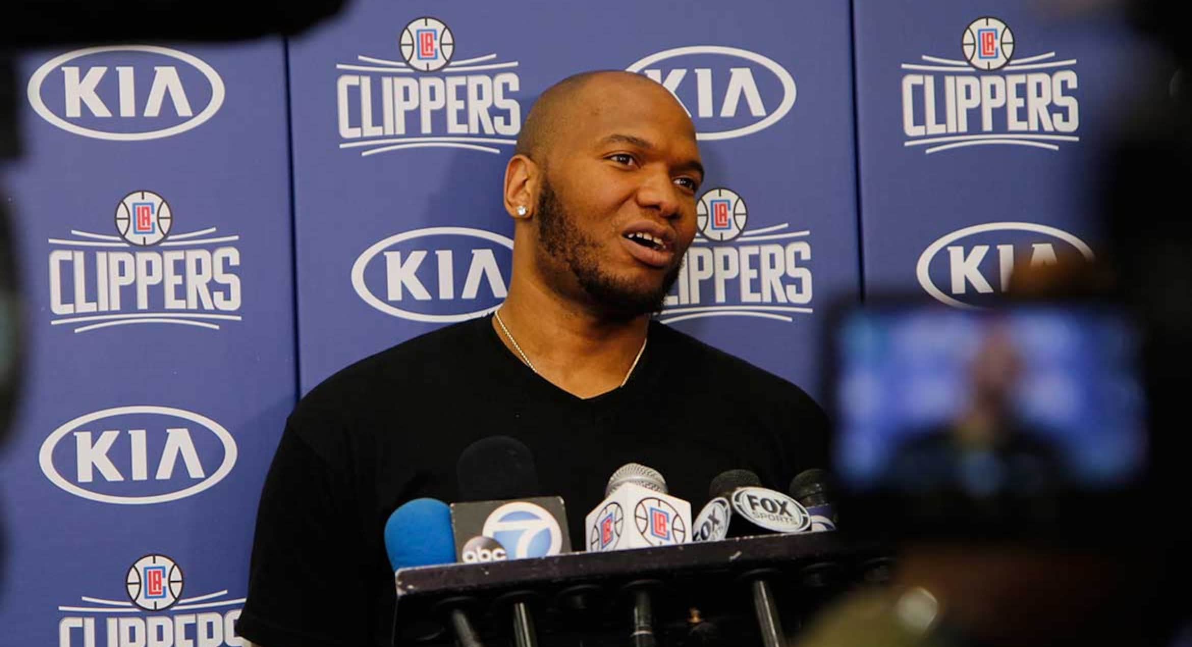 The L.A. Clippers today announced that they have signed free agent center/power forward Marreese Speights.