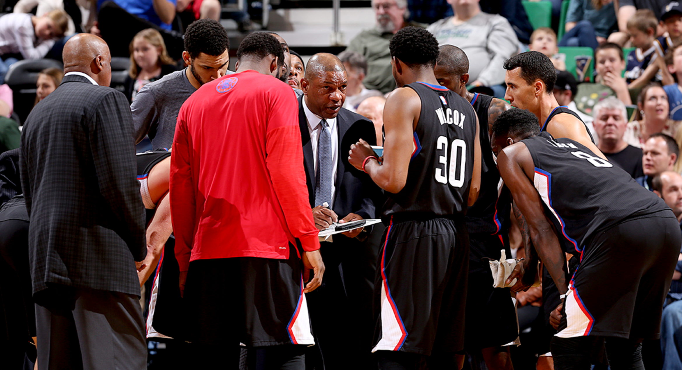 Image of Team Huddle - Article:2015-16 Season In Numbers, Part 2