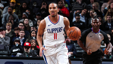 Press Release: L.A. Clippers Re-Sign Avery Bradley