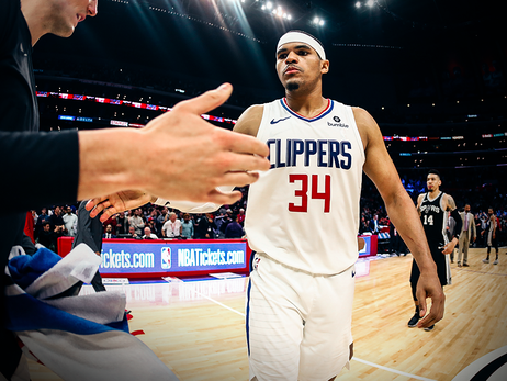 Harris shines in new beginning with Clippers