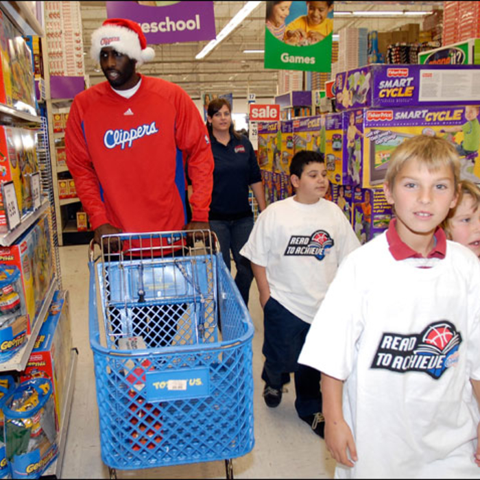 Clippers Shop at Toys R' Us