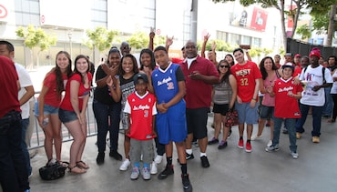 Photos: Fans at STAPLES Center | Gallery 1