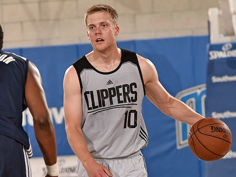 Fractured Finger Ends Wolters' Strong Summer League