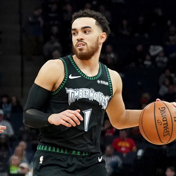 Tyus Jones signs with Memphis Grizzlies
