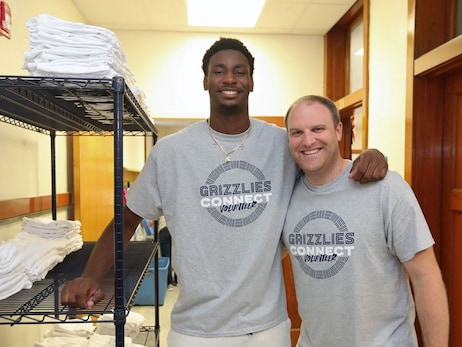 Jaren Jackson Jr. and Taylor Jenkins volunteering at a local school