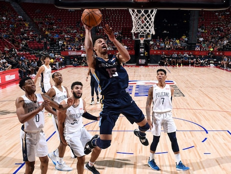 MikeCheck: Rookie Clarke packs outside-the-box mentality and skillset for Grizzlies' training camp