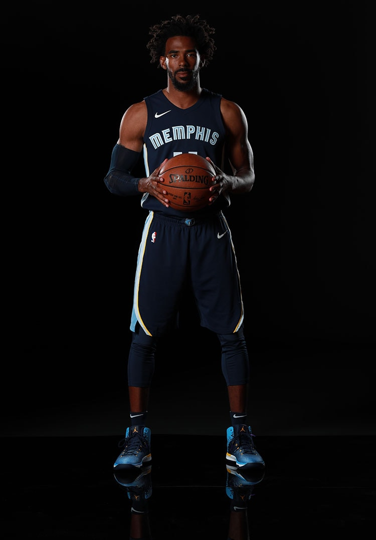 Grizzlies team up with Nike to update the 2017-18 uniforms. These unis  combine