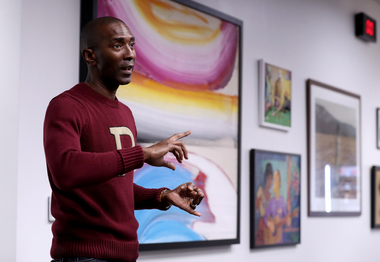 Elliot Perry showcases African-American art in Grizzlies players lounge exhibit