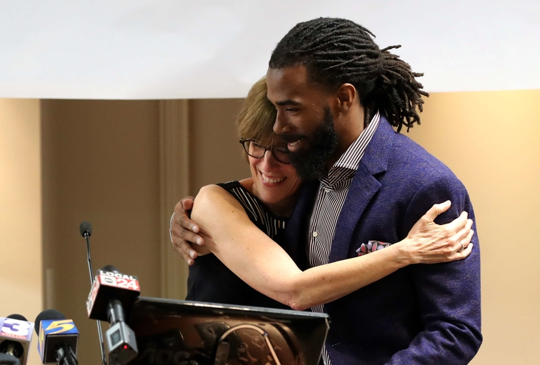 Mike Conley Methodist Healthcare Comprehensive Sickle Cell Center Donation Photos