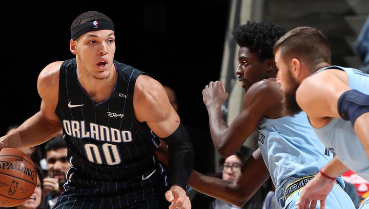 Aaron Gordon #00 of the Orlando Magic handles the ball against the Memphis Grizzlies on March 10, 2019 at FedExForum in Memphis, Tennessee