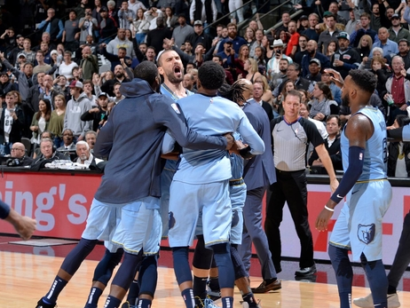 Postgame Report: Gasol's Clutch Free Throws Lift Grizzlies over Spurs, 104-103