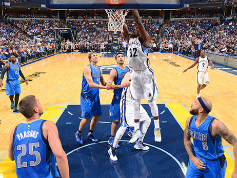 Grizz vs. Mavs game photos