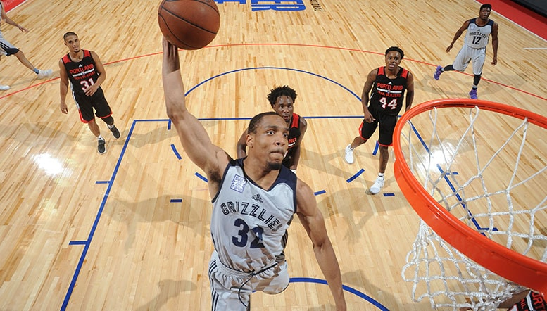 Grizzlies sign Vince Hunter