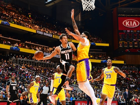 Hawks Rally Late, Drop Contest to Lakers