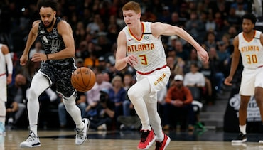Hawks Win Big for First Time in 22 Years at San Antonio