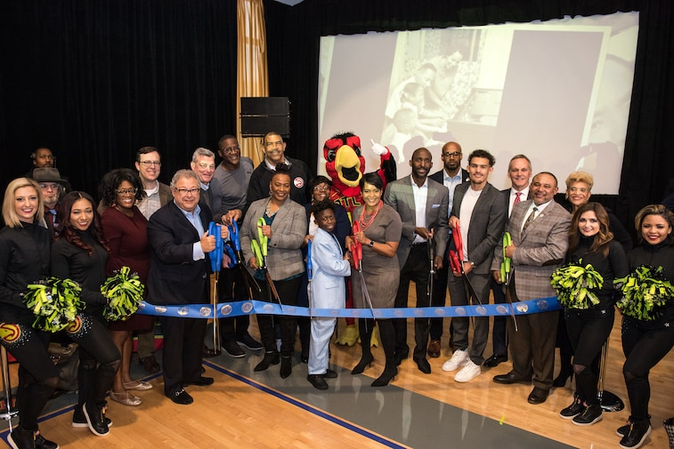 Mayor Keisha Lance Bottoms, Hawks players, coaches, executives cut ribbon on new community court honoring Martin Luther King Jr.