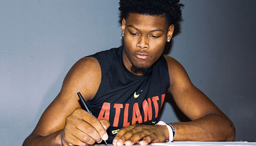 Atlanta Hawks Sign Cam Reddish