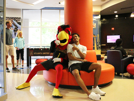 Hawks Spend Afternoon at Children's Healthcare of Atlanta